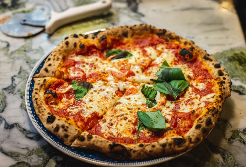 Quando devi scegliere un fondo di investimento entrano in gioco gli stessi meccanismi di quando devi scegliere una pizza