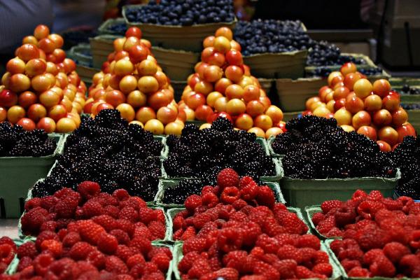 Bancarella con la frutta