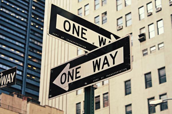 Scegliere tra due strade